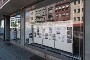Schaufensterausstellung Architektouren 2021 @ Schaufenster des Offenen Büros - DLZ BAU